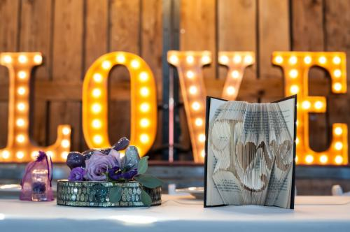 Wedding Centerpieces Image 12