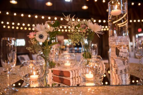 Wedding Centerpieces Image 26